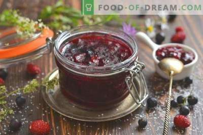 Black currant and strawberry jam