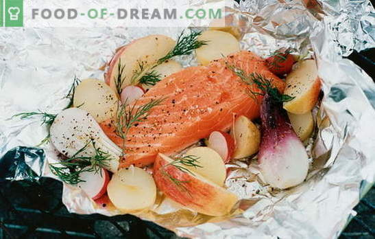 Red fish in foil in the oven - a delicacy! Recipes for red fish in foil in the oven with potatoes, tomatoes, capers and olives