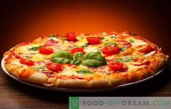 Pizza with cheese and tomatoes is different and very tasty! Recipes quick and original pizza with cheese and tomatoes