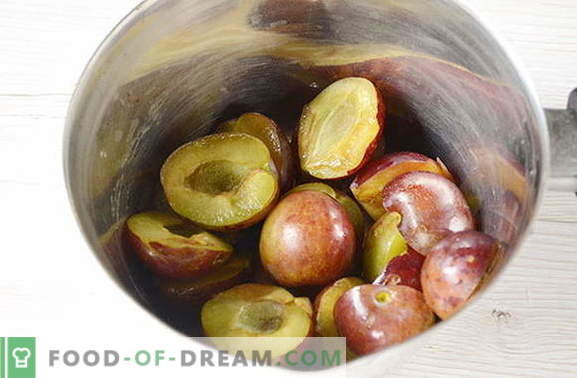 Original jam from plums with spices