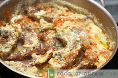Rabbit in sour cream - the best recipes. How to properly and tasty cook rabbit in sour cream.