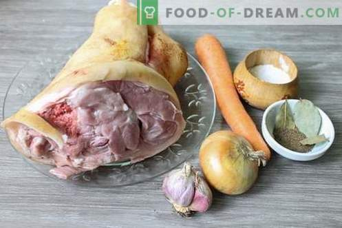Pork knuckle jelly - nutritious, nourishing and tasty dish
