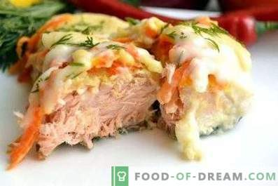 Pink salmon in the oven with vegetables