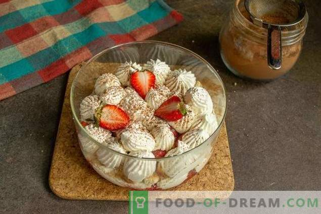 Trifle with strawberries - a light dessert