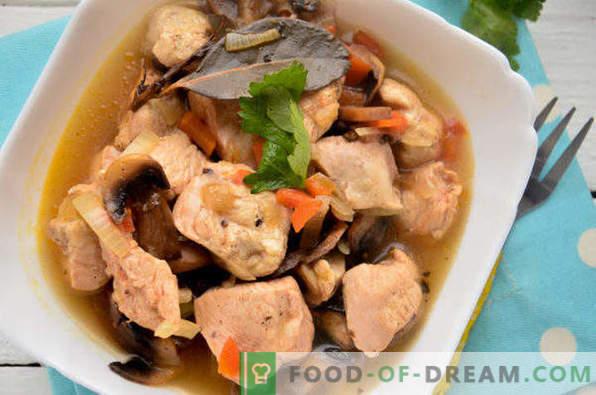 Chicken stewed with mushrooms