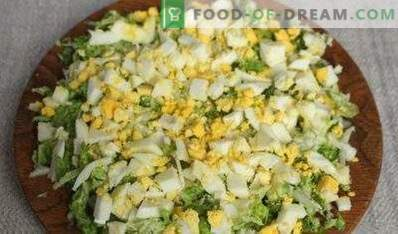 Stuffing for patties with cabbage and egg
