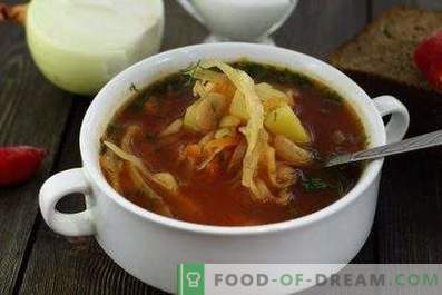 Borsch with canned beans