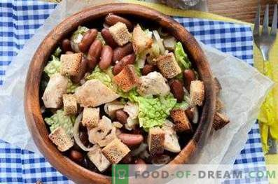 Salads with chicken and beans